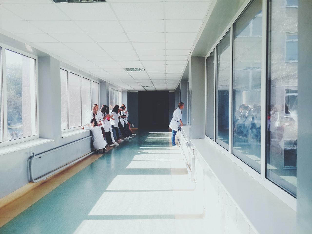 US hospitals post costs online